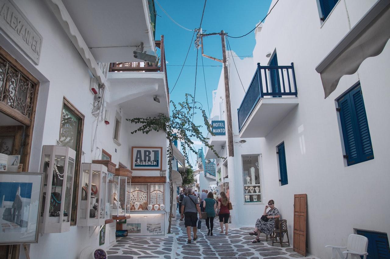 daytripping through mediterranean city streets