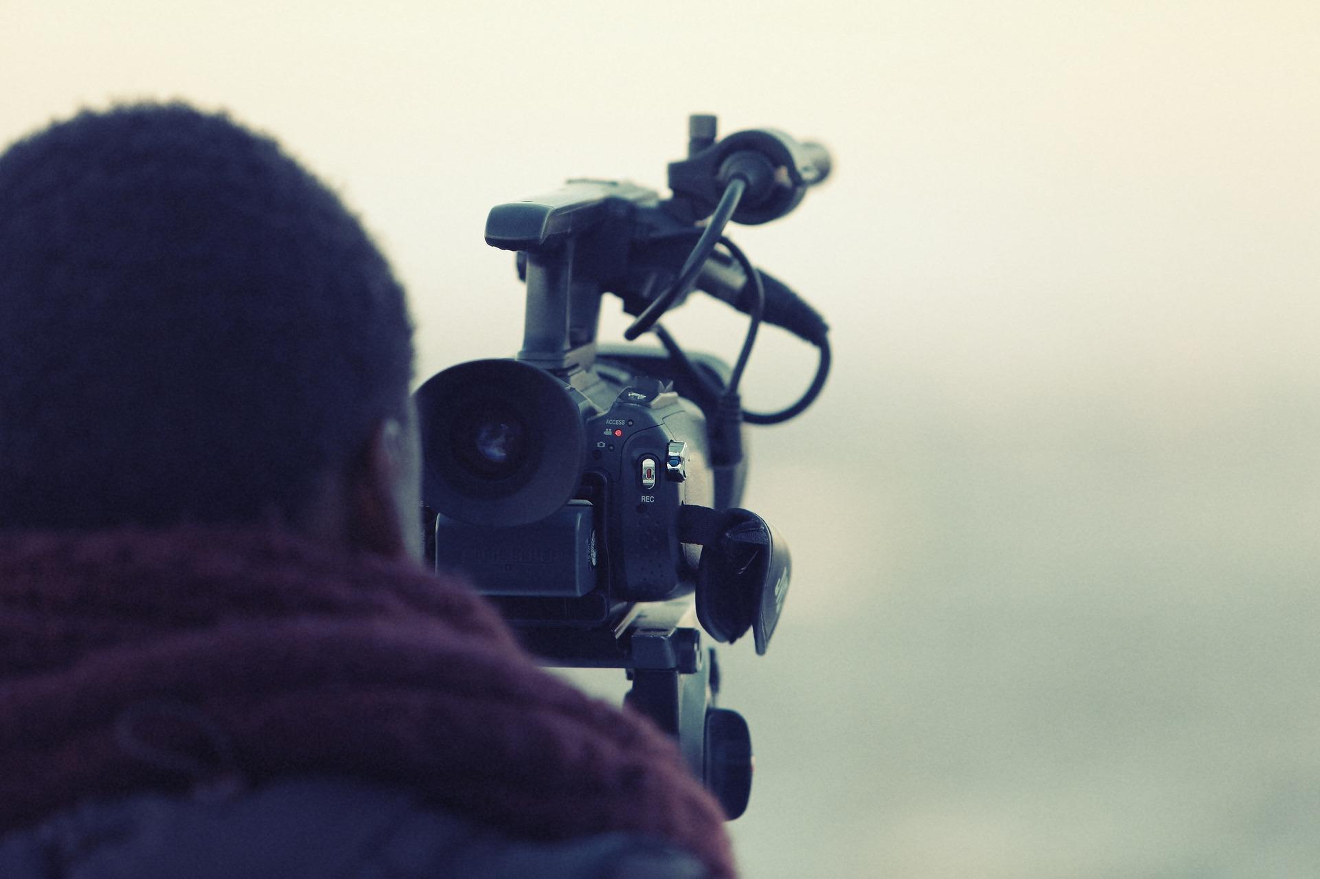 videographer-698667_1920